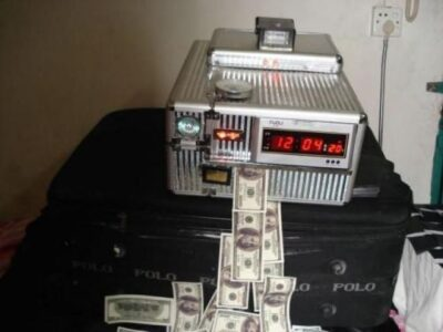 Machine and Chemical to wash defaced bank notes